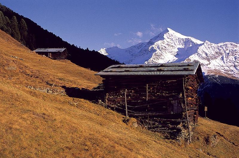 Palazzi in legno altro che baite montagna tv for Baita di legno