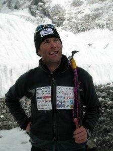 Marco Confortola al campo base dell'Everest