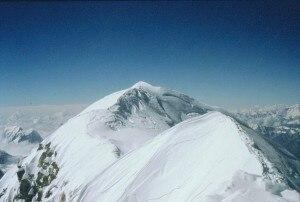 Shisha Pangma, la cima principale vista dalla cima middle