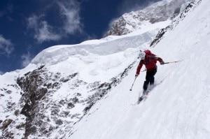 Fredrik Ericsson con gli sci sul K2