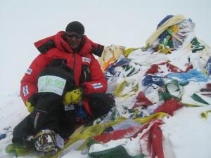 Gnaro Mondinelli in vetta all'Everest, 24 maggio 2010
