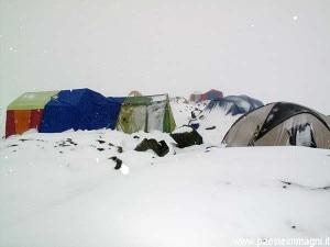 Neve sul campo base del K2