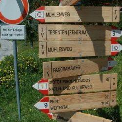 Continua la guerra dei cartelli segnaletici