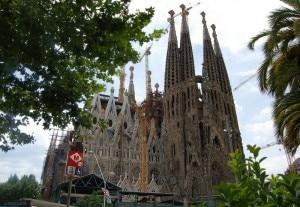 Sagrada Familia (Photo courtesy www.sights-and-culture.com)