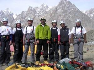 Le alpiniste della Shimshal Mountaineering School