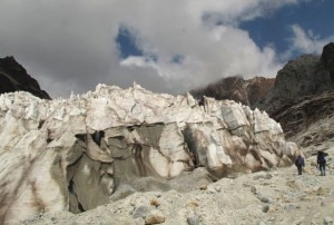 Huayna Potosi glacier (Photo courtesy www.combusem.com)