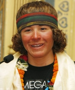 Jordan Romero dopo la salita all'Everest (Photo courtesy Daily News)