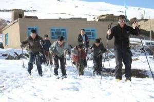Rollando fa scuola di scialpinismo in Afghanistan