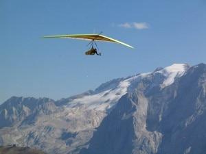 Un deltaplano