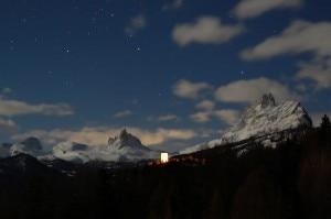 Panorama sopra Cortina in una notte di luna piena - Paola Dandrea  (Paola Dandrea)