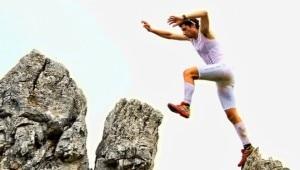 Kilian Jornet sul monte Olimpo (Photo courtesy Desnivel.com)