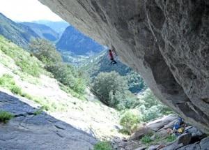 Pedeferri sulle linee della Grotta del Ferro (Photo Ricky Felderer courtesy www.ragnilecco.com)
