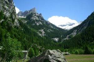 Veduta della Val di Mello (photo courtesy www.paesidivaltellina.it)