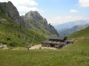 Rifugio Olmo (Photo courtesy gitantigioiosi.wordpress.com)