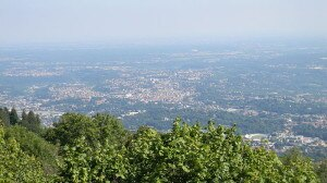 Varese vista aerea (foto wikipedia commons Vale93b)