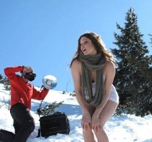 Julia Mancuso sul set del calendario (© Hubertus Hohenlohe - www.skilehrerinnen.at )