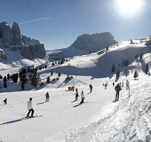 Una delle piste del comprensorio Dolomiti Superski (Photo courtesy of www.val-gardena.com)