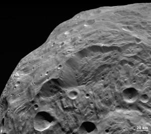 La foto di Vesta pubblicata dalla NASA sul proprio sito (© NASA, JPL-Caltech, UCLA, MPS, DLR, IDA)
