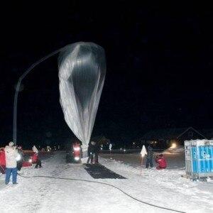 Lancio di uno dei palloni stratosferici (© Vittorio Tulli/CNR)