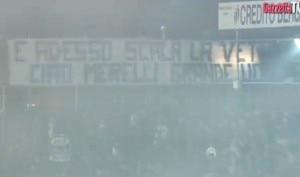 Striscione allo stadio per Merelli (Photo www.gazzetta.it)