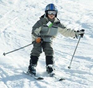 Bambino sugli sci (Photo courtesy of www.fogyasztok.hu)