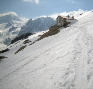 Rifugio du Couvercle (Photo courtesy of refuges-montagne.info)