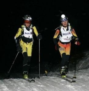 Due partecipanti della Sellaronda (Photo courtesy of www.neveitalia.it)