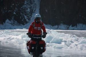 Juan Menéndez Granados nella travesata del Lago Baikal (Photo  Juan Menéndez Granados )