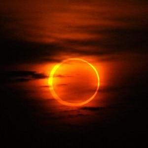 L'eclissi anulare di sole del 20 maggio (Photo courtesy Reuters/China Daily)