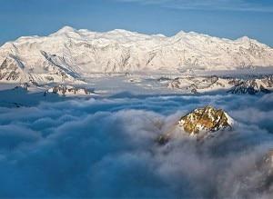 La lunga cresta del Mount Logan (Photo canadiangeographic.ca)