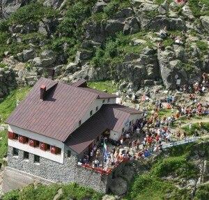 L'arrivo al rifugio Coca della scorsa edizione di Orobie Vertical - Memorial Fausto Bossetti (Photo CAI Bergamo)