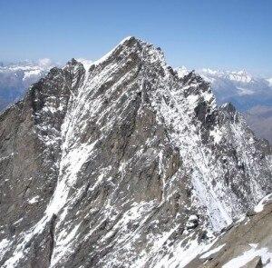La cima del Täschhorn (Photo courtesy of www.4000er.de )