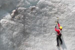 Prove di ghiaccio al ghiacciaio del Morteratsch (Photo Luca Maspes)