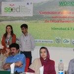 Al centro, Sadia Danish e Aftab Haider rispettivamente consigliere per il turismo e per il patrimonio forestale della Regione del Gilgit and Batistan