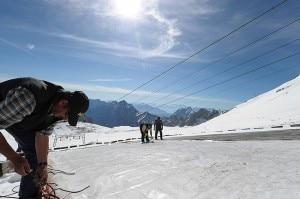 Ghiacciaio dello Zugspitze con la coperta termica (Photo repubblica.it)