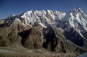 Mazeno Ridge e Nanga Parbat (Photo Doug Scott - www.mazenoridge.com)