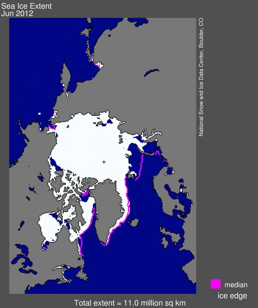 In bianco, l'estensione del ghiaccio marino artico nel giugno 2012 (10,97 milioni di chilometri quadrati). La linea magenta mostra invece l'estensione media di giugno nel periodo 1979-2000. La croce nera indica il Polo Nord geografico. (Credit: National Snow and Ice Data Centre)