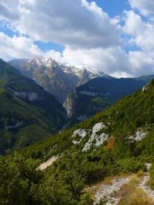 Vallone delle tre grotte (Photo caichieti.it)