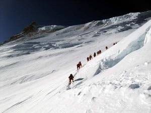Manaslu, seracchi sopra campo 3 (photo markhorrell.com)