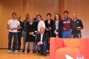 Panzeri con Pinuccio Castelnuovo e gli atleti premiati dal Coni