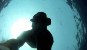 Daniele Nardi in acqua