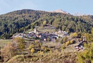 Villa Dalegno, la frazione di Temù che potrebbe entrare a far parte del comune di Ponte di Legno (Photo courtesy of www.adamelloski.com)