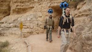 Due inviati di Google nel Grand Canyon con indosso i Trekkers (Photo courtesy of google-latlong.blogspot.it)