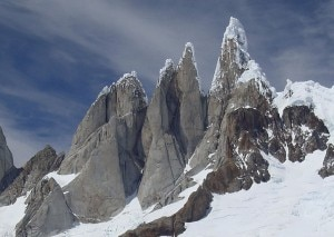 Torre Egger e Cerro Torre (Photo-courtesy-www.climbing)