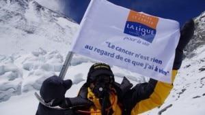 Gérard Bourrat sull'Everest nel 2011 (Photo courtesy of www.la-maison-du-cancer.com)