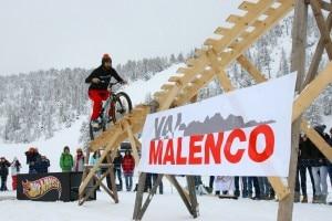 Vittorio Brumotti all'Alpe Palù (Foto Juri Baruffaldi)
