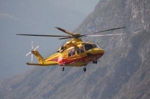 Un elicottero Agusta dei Vigili del Fuoco di Trento (Photo courtesy of www.valledeilaghi.it)