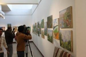Esposizione dei quadri al Pakistan Mountain Festival