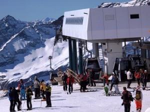 Sciatori nel comprensorio di Monterosa ski (Photo courtesy of www.skiinfo.it)