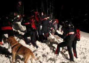 Intervento in notturna del soccorso alpino (Photo courtesy of Trentino on line)